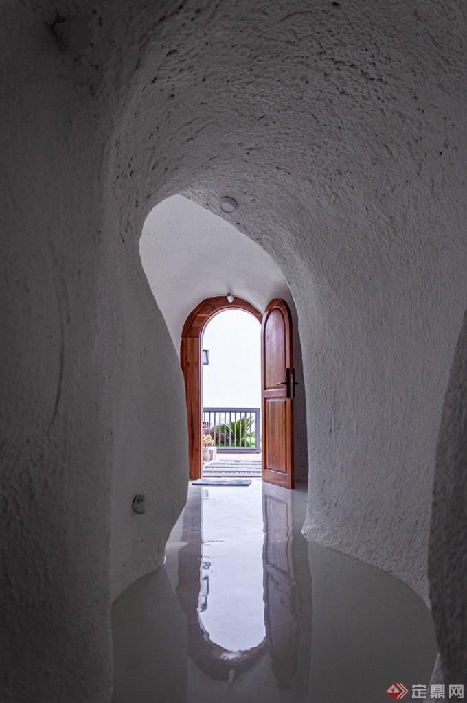 蚁穴酒店走廊