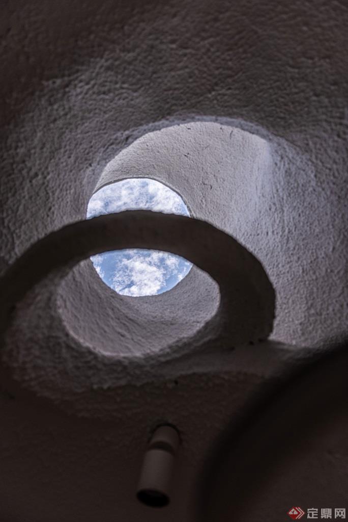 蚁穴酒店浴室造型顶